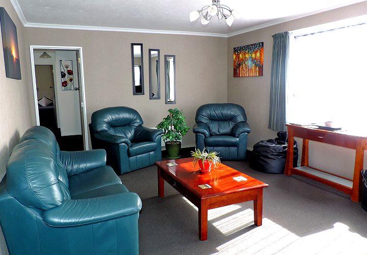living room omakau